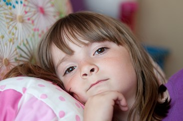 shutterstock 51761083%5b1%5d t5 pretty little girl rest on pillow